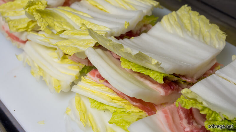 chinese-cabbage-and-pig-plate-stack-pan05.jpg