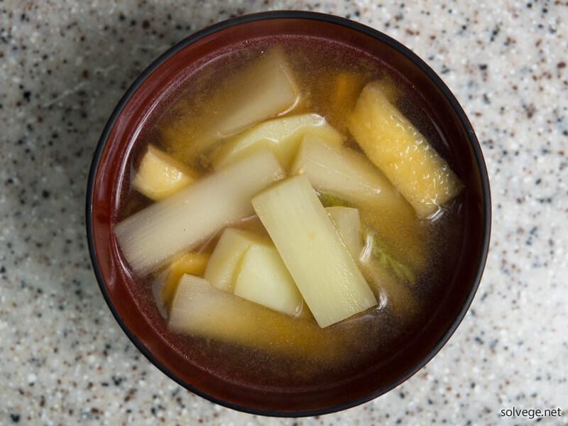 ウドの味噌汁イメージ